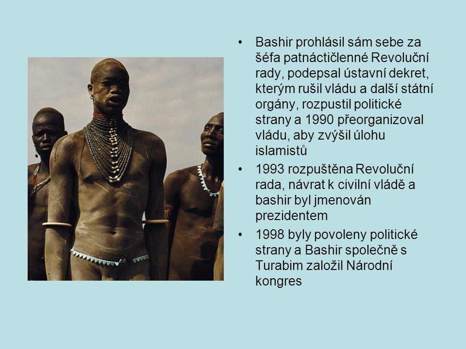 Bashir prohlásil sám sebe za šéfa patnáctičlenné Revoluční rady, podepsal ústavní dekret, kterým rušil vládu a další státní orgány, rozpustil politické strany a 1990 přeorganizoval vládu, aby zvýšil úlohu islamistů 1993 rozpuštěna Revoluční rada, návrat k civilní vládě a bashir byl jmenován prezidentem 1998 byly povoleny politické strany a Bashir společně s Turabim založil Národní kongres