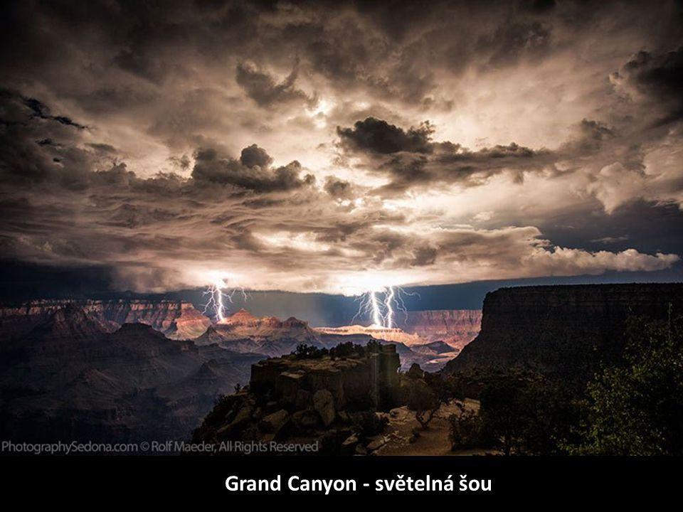 Grand Canyon - světelná šou