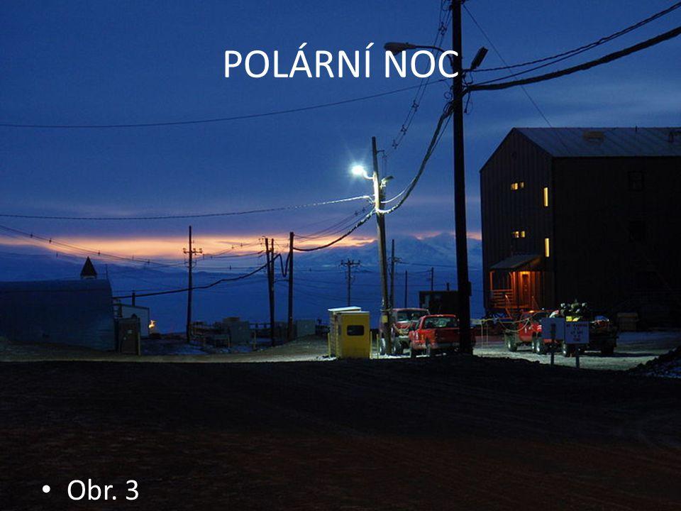 POLÁRNÍ ZÁŘE - AURORA BOREALIS Světelné úkazy v polárních oblastech V atmosféře kolem 100 km Mrak iontů z vesmíru Obr.