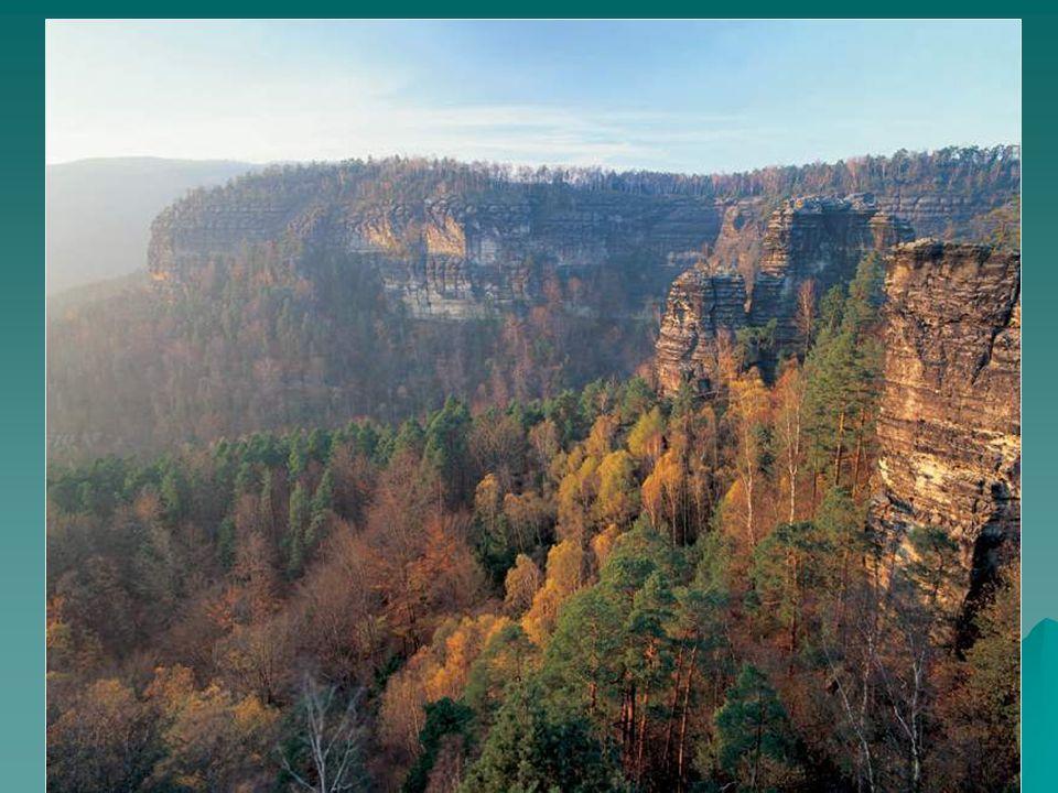 2) maloplošná chráněná území  národní přírodní rezervace  národní přírodní památky  přírodní rezervace  přírodní památky