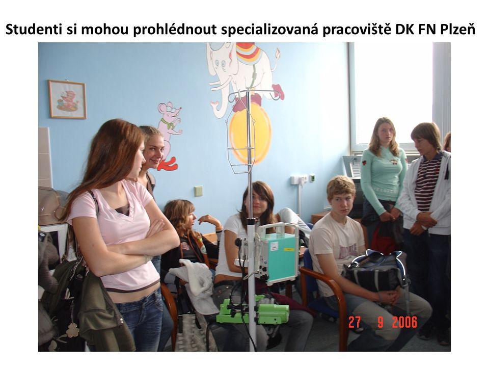Studenti si mohou prohlédnout specializovaná pracoviště DK FN Plzeň