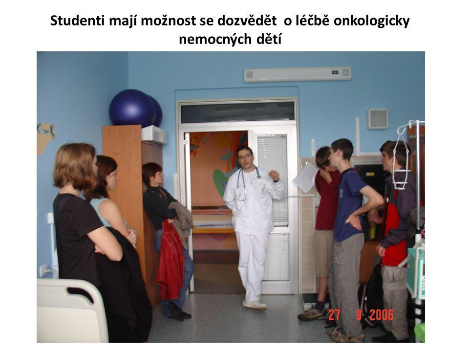 Studenti mají možnost se dozvědět o léčbě onkologicky nemocných dětí
