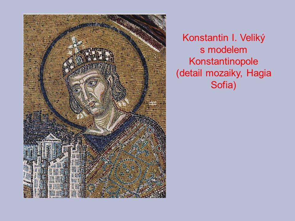 Konstantin I. Veliký s modelem Konstantinopole (detail mozaiky, Hagia Sofia)