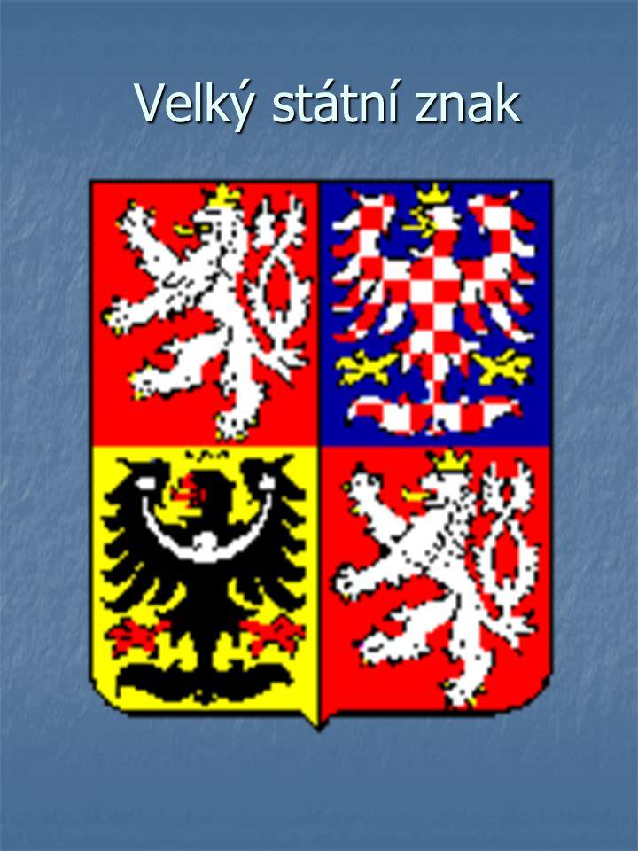 Velký státní znak Čtvrcený štít – v prvním a čtvrtém červeném poli je stříbrný dvouocasý lev ve skoku se zlatou korunou a zlatou zbrojí Čtvrcený štít – v prvním a čtvrtém červeném poli je stříbrný dvouocasý lev ve skoku se zlatou korunou a zlatou zbrojí Ve druhém modrém poli je stříbrno – červeně šachovaná orlice se zlatou korunou a zlatou zbrojí Ve druhém modrém poli je stříbrno – červeně šachovaná orlice se zlatou korunou a zlatou zbrojí Ve třetím zlatém poli je černá orlice se stříbrným půlměsícem zakončeným jetelovými trojlístky a uprostřed s křížkem se zlatou korunou a červenou zbrojí Ve třetím zlatém poli je černá orlice se stříbrným půlměsícem zakončeným jetelovými trojlístky a uprostřed s křížkem se zlatou korunou a červenou zbrojí