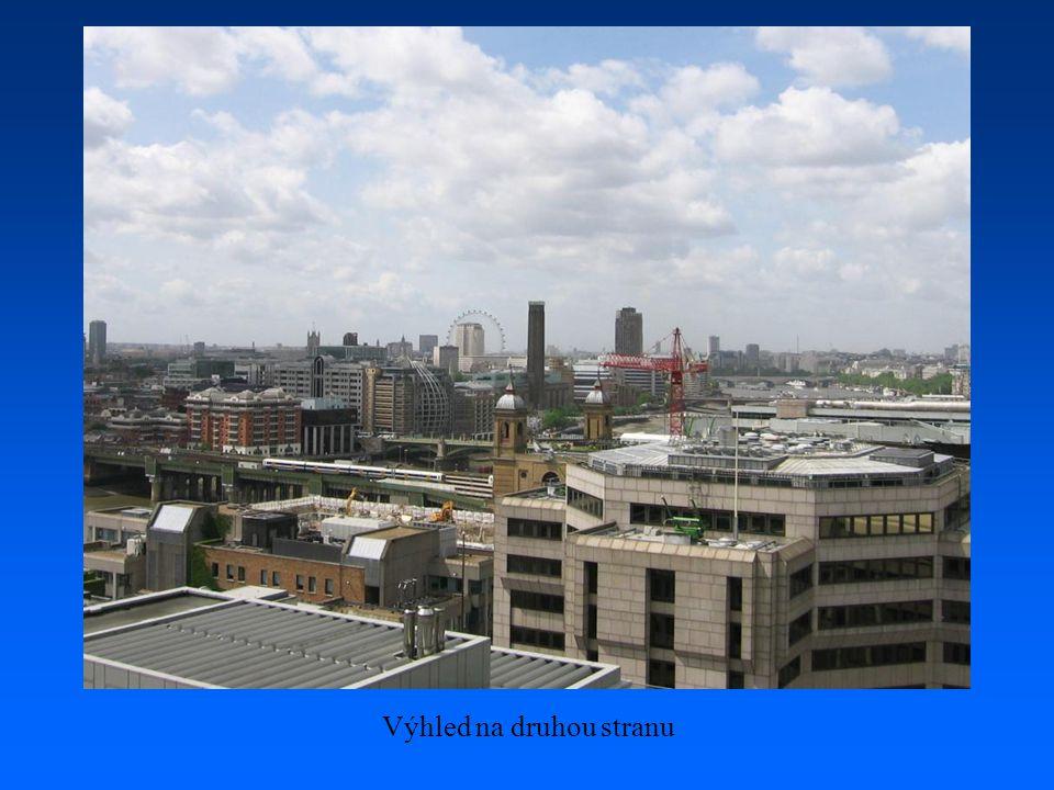 …část Londýna z ptačí perspektivy