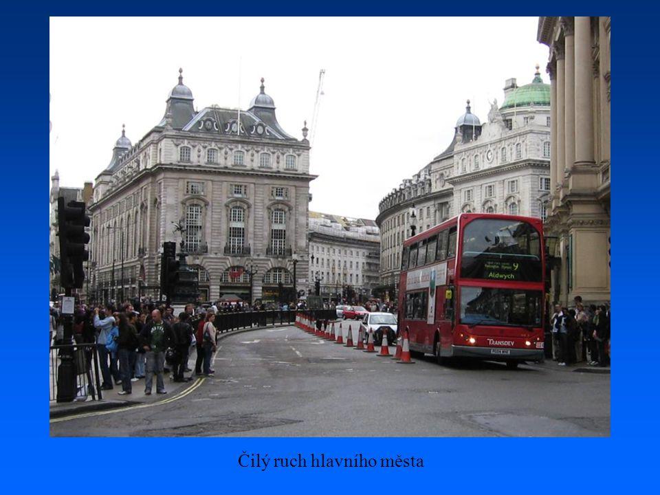 Trafalgarské náměstí v Londýně