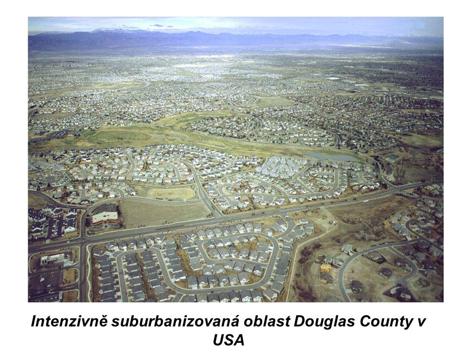 Intenzivně suburbanizovaná oblast Douglas County v USA