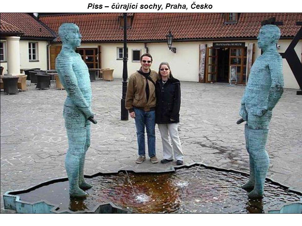 Piss – čůrající sochy, Praha, Česko