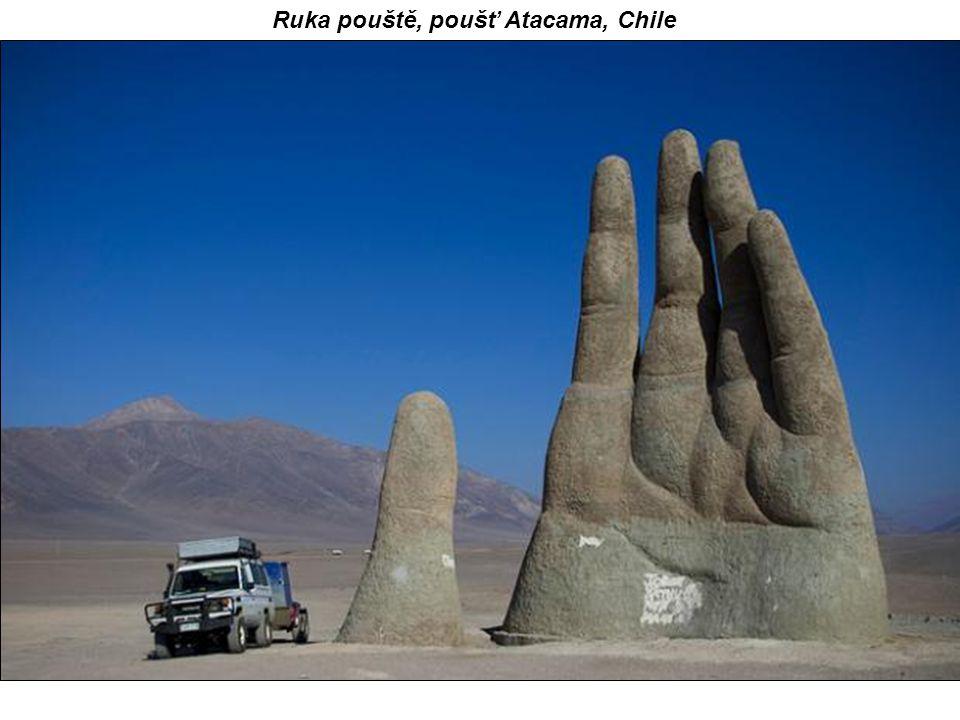 Ruka pouště, poušť Atacama, Chile