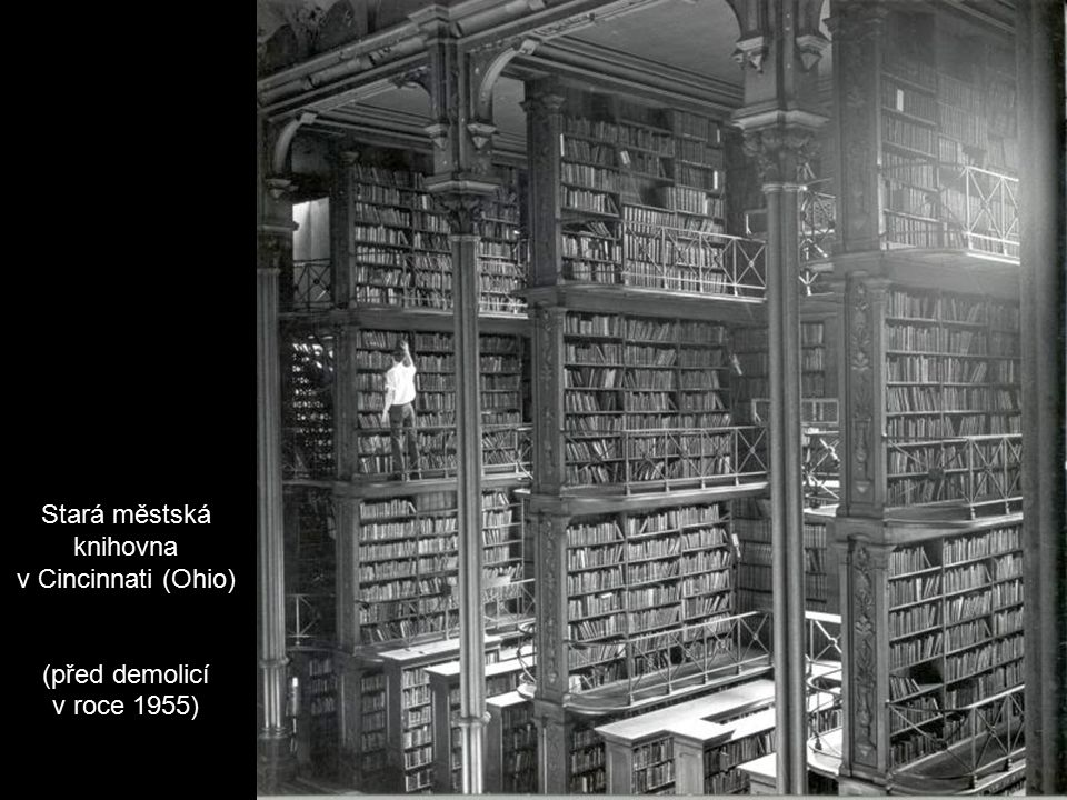 Nikola Tesla ve své laboratoři