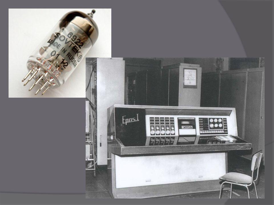 Druhá generace  Polovodiče ve formě tranzistorů a diod (místo elektronky)  První počítač byl sestaven ve Spojených státech – Tradic  Staré děrné štítky v této generaci nahradily magnetické nosiče dat  Tyto stroje vznikaly od druhé poloviny 50.