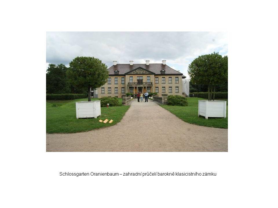 Schlossgarten Oranienbaum – zahradní průčelí barokně klasicistního zámku