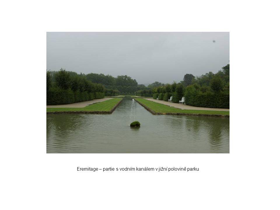 Eremitage – partie s vodním kanálem v jižní polovině parku