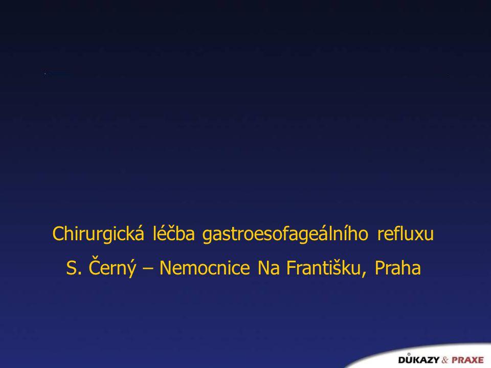 Gastroesofageální reflux Návrat žaludečního obsahu zpět do jícnu Fyziologický reflux bez klinického projevu – Distální jícen rychle očištěn peristaltikou a sekrecí Častější a delší reflux – poškodí se ochranná slizniční bariéra – Zprvu mikroskopické, později makroskopické změny sliznice jícnu Refluxní esofagitida Nemocný vnímá jako regurgitaci nebo pyrosu