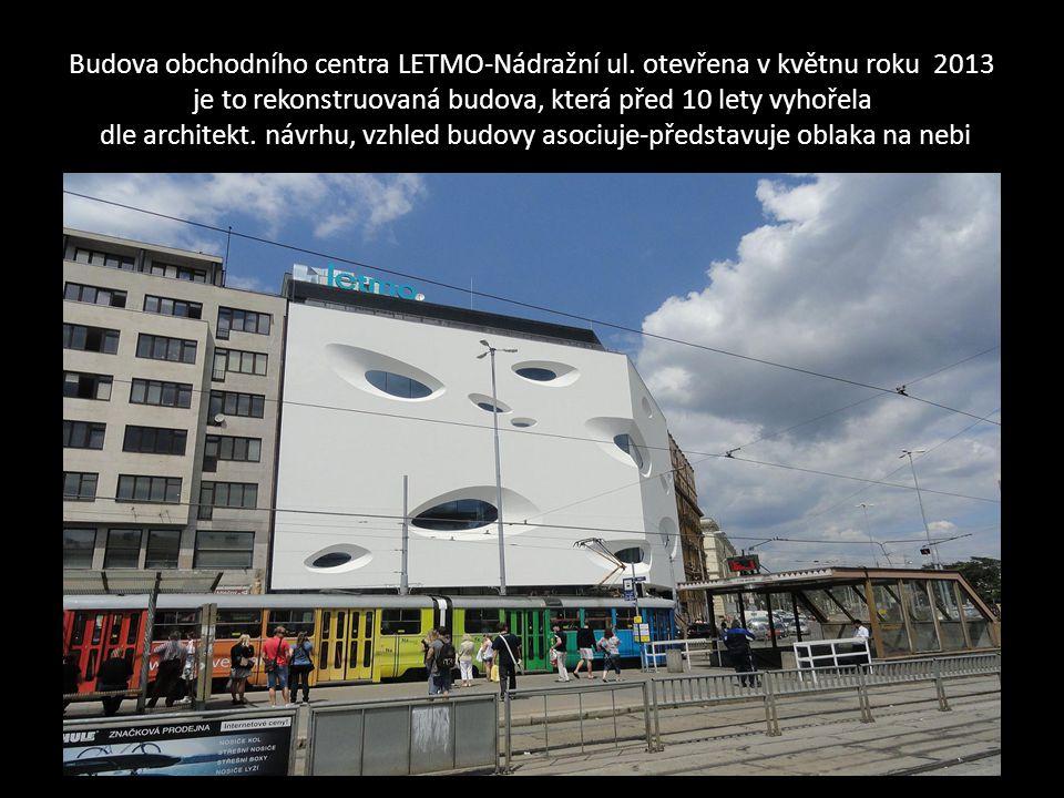 Rohová budova zdravotní pojišťovny-VZP na ulici Benešova