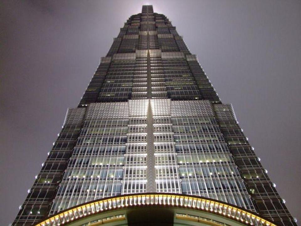 Šanghaj Šanghaj je jako město se sedmnácti miliony obyvatel jedním z nejdůležitějších měst v Číně.