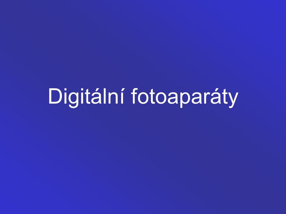 Digitální fotoaparát Digitální fotoaparát je fotoaparát, zaznamenávající obraz v digitální formě, takže může být okamžitě zobrazen na zabudovaném displeji nebo nahrán do počítače a zpracován