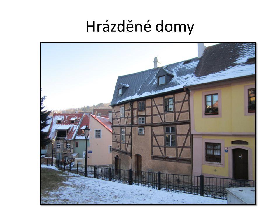 lidová architektura úspora dřeva (náhrada roubenek) Hrázděné domy