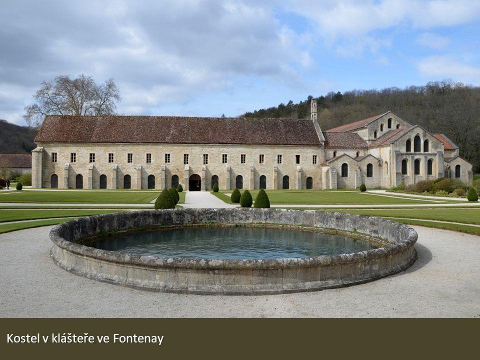 Kostel v klášteře ve Fontenay