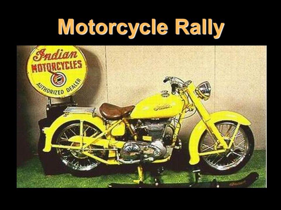 Vůdčí pozice Harley-Davidson začíná být ohrožována stále oblíbenější značkou Indian, klasickými, plnoblatníkovými motorkami, které stály u samotného zrodu rally.