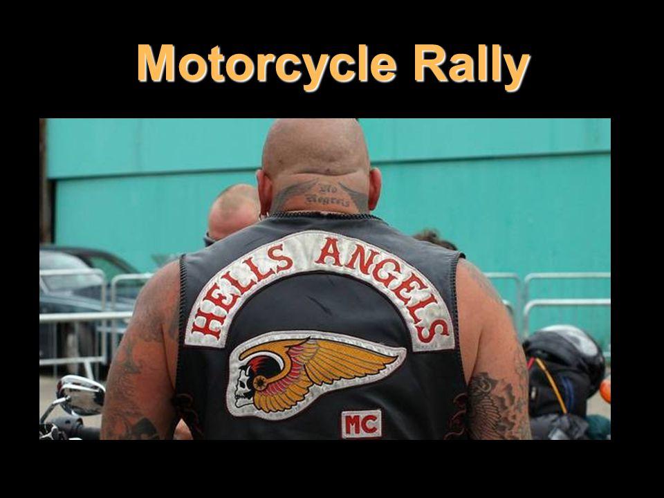 A jedna rada mým studentkám: Nestopujte ve Sturgisu po příjezdu obávaných Hells Angels, motorkářského klanu z Los Angeles.