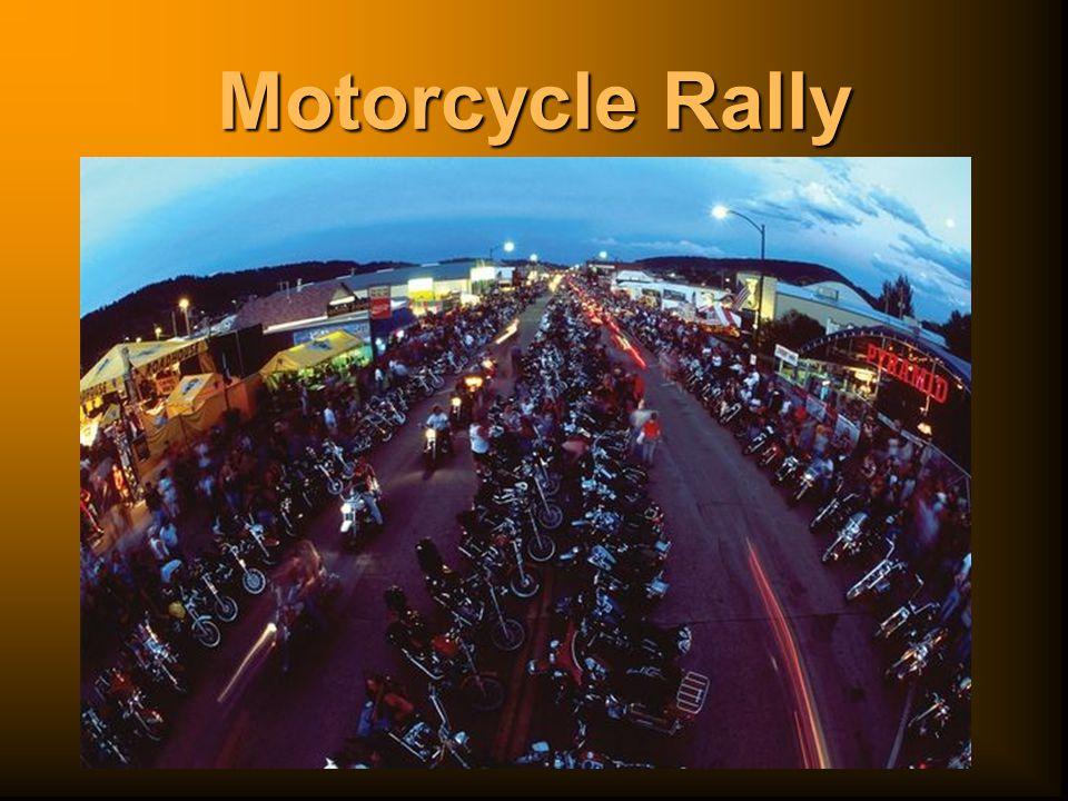 Dostat se v době rally do této Mekky všech motorkářů není vůbec snadné.