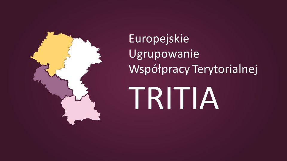 Vývoj založení EUWT TRITIA 2009 - 2011 2009 – rozhodnutí založit seskupení 2010 – tvorba zakládajících dokumentů a návrhu organizační struktury 2011 – zahájen proces schvalování účasti jednotlivých regionů v seskupení souhlasné stanovisko pro český a slovenský region Polské ministerstvo vzneslo připomínky bez jejichž zapracování nebude vydáno souhlasné stanovisko