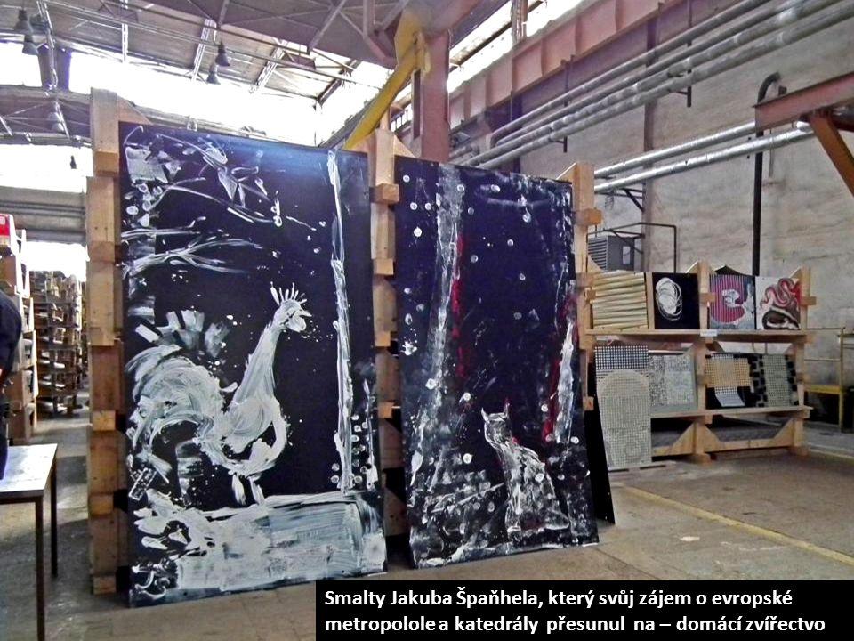 Galerie v pohybu – hotové smalty putují po vypálení na závěsném zařízení