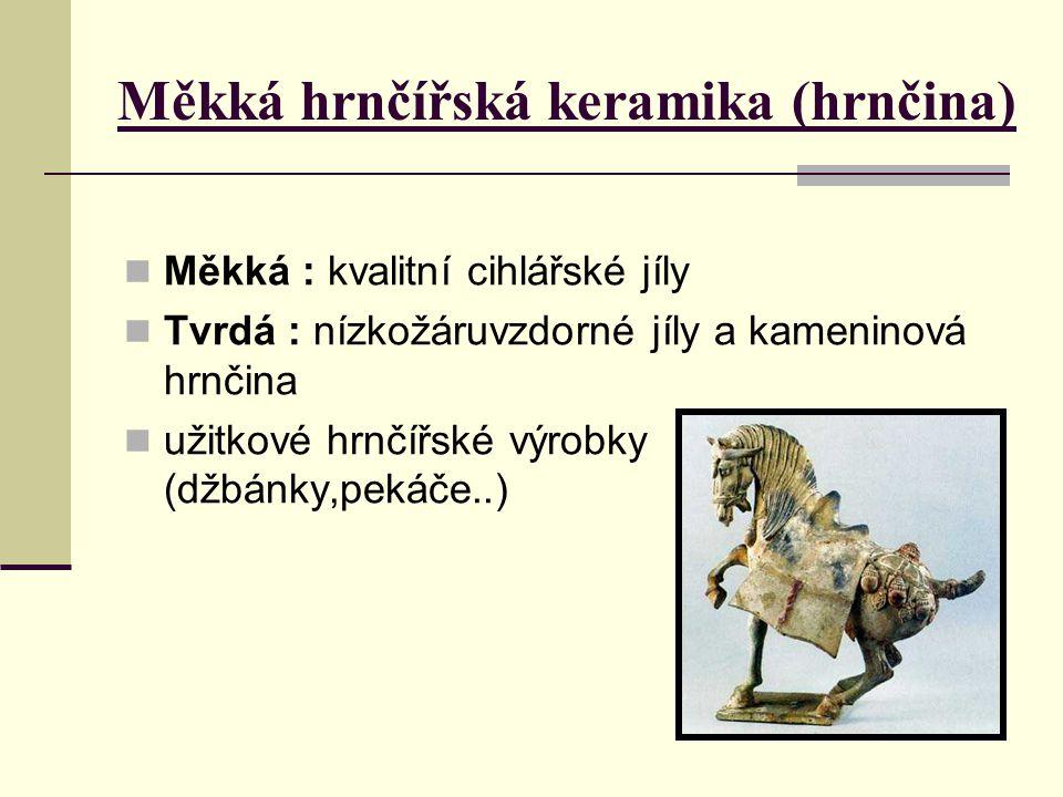 Terakota = druh keramiky méně porézní pevnější červenohnědý střep = materiál pro stavební a dekorativní prvky