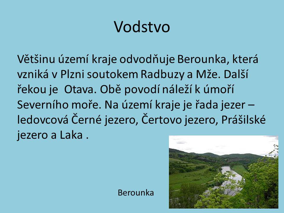 Vodstvo Většinu území kraje odvodňuje Berounka, která vzniká v Plzni soutokem Radbuzy a Mže. Další řekou je Otava. Obě povodí náleží k úmoří Severního