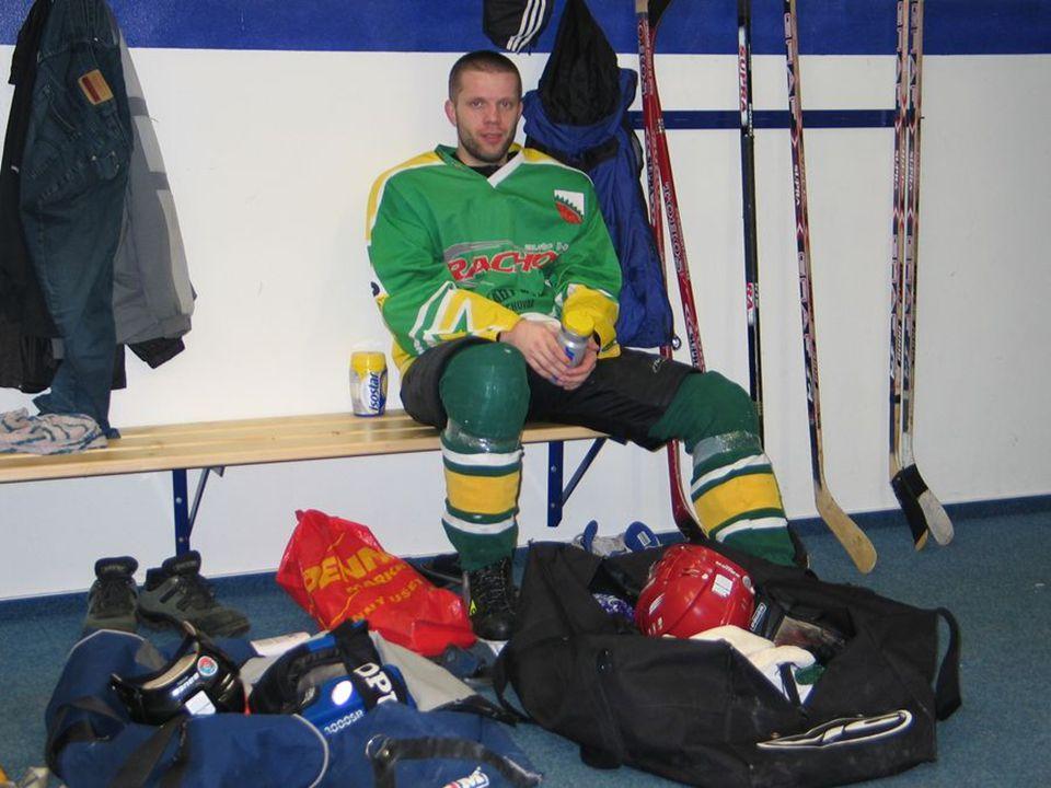 Někteří z našeho kádru hrají také Lomnickou hokejovou ligu za náš zpřízněný klub, za mužstvo HK LIBŠTÁT