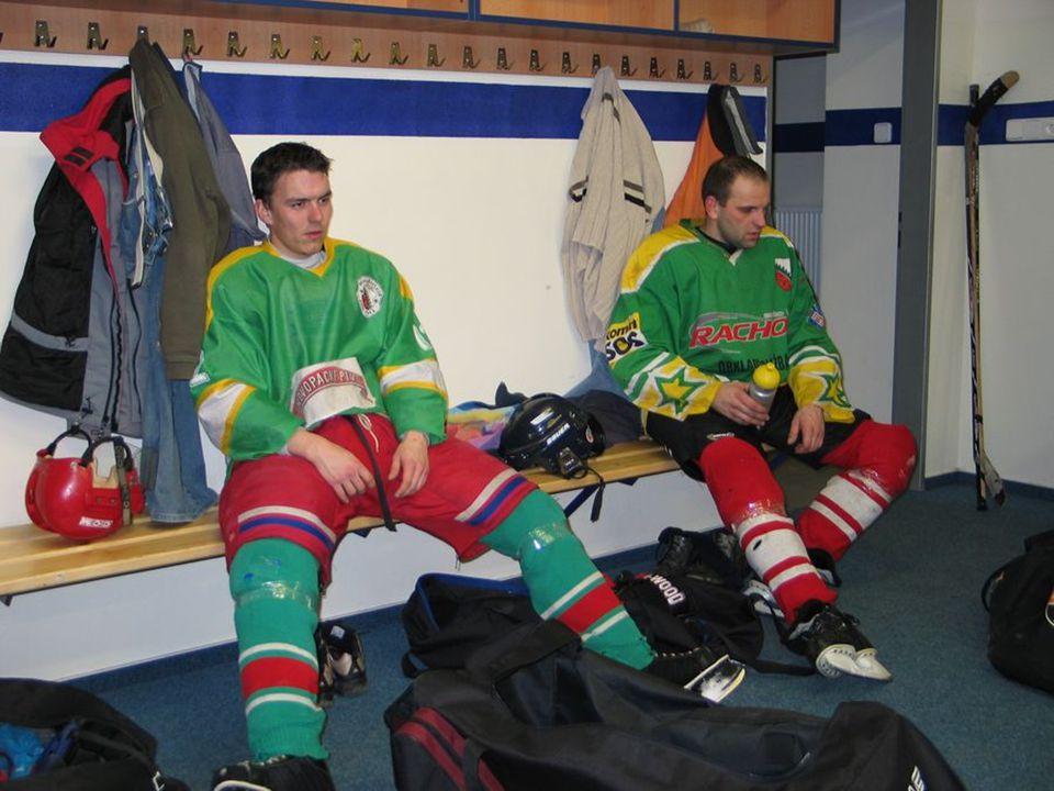 Konečná tabulka kanadského bodování Novopacké hokejové ligy - prvních 30; celkem bodovalo 108 hráčů ________________________________________________________ Name Goals Assist Point Team ________________________________________________________ 1.