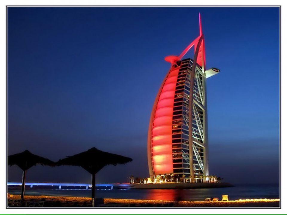 Stavba podle projektu firmy Atkins Middle East začala v roce 1994.