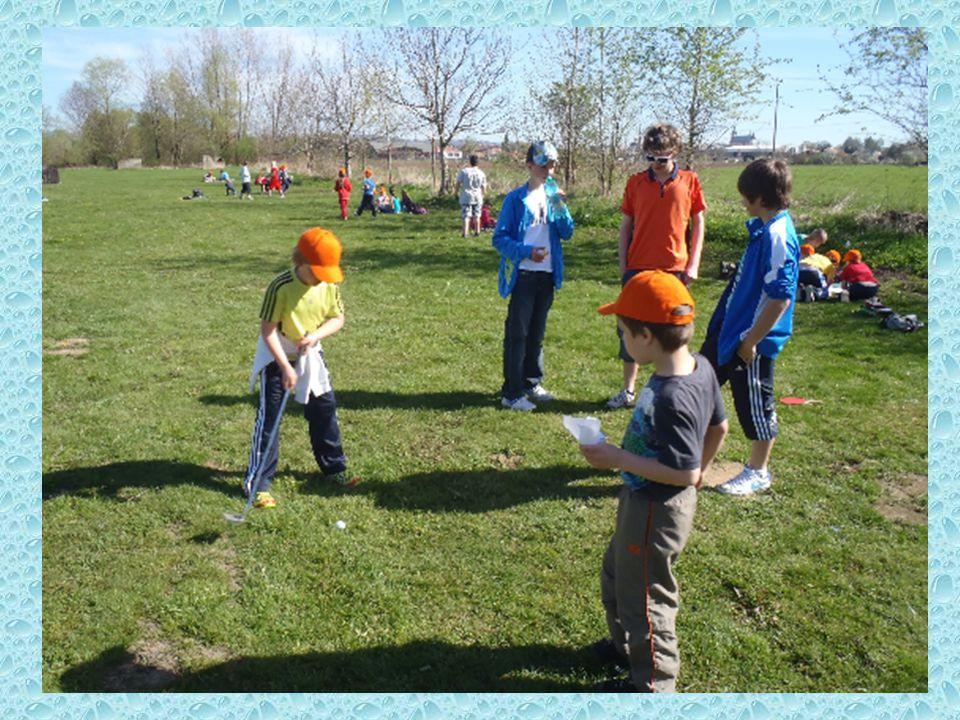 Závěrečné úkoly si naopak nachystali žáci druhé třídy pro své starší spolužáky.