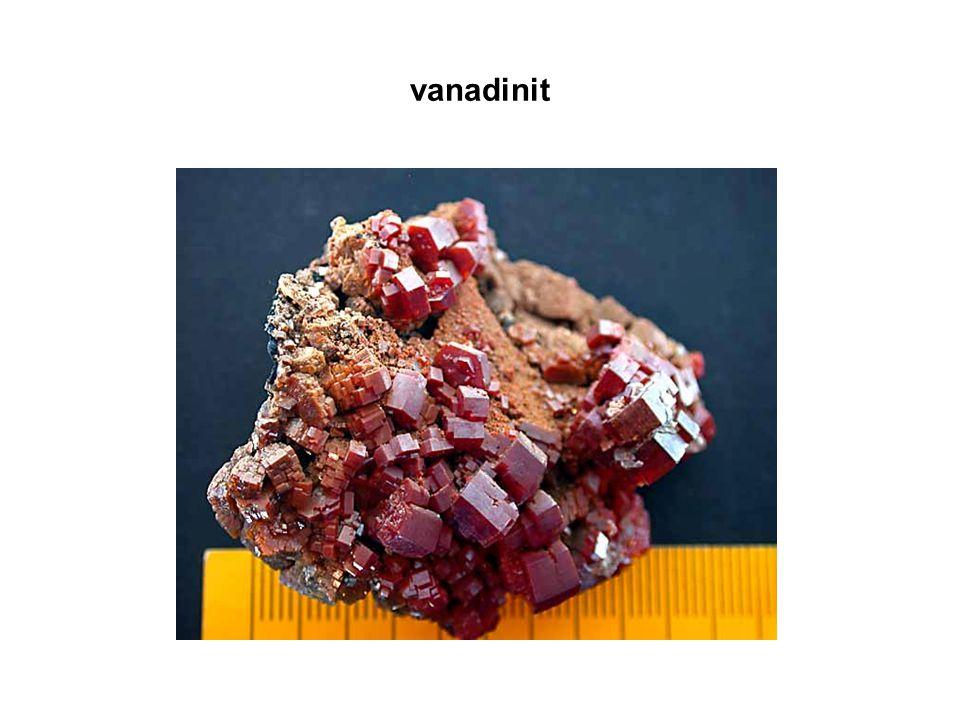 průmyslová výroba: redukuje se chlorid vanadičný vodíkem nebo hořčíkem, popř.