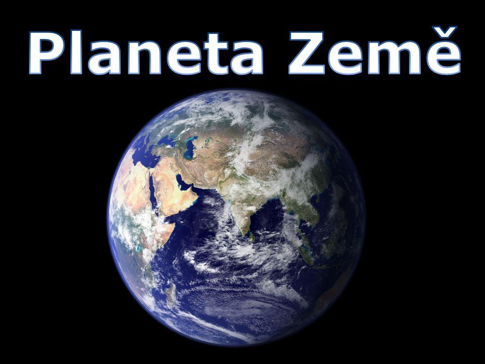 Planeta Země Země nejspíše vznikla před 4,6 miliardami let Tvar Země – Geoid Země je třetí planeta sluneční soustavy ( od slunce vzdálená asi 150 milionů km čtvrtá nejmenší planeta ( poloměr Země je 6378 km ) hmotnost: 5,9736×10 24 kg jediné planetární těleso, na němž je dle současných vědeckých poznatků potvrzen život