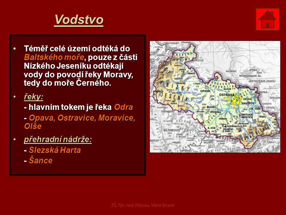 Vodstvo Téměř celé území odtéká do Baltského moře, pouze z části Nízkého Jeseníku odtékají vody do povodí řeky Moravy, tedy do moře Černého.Téměř celé