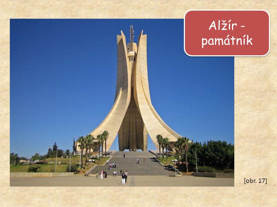 Alžír - památník [obr. 17]