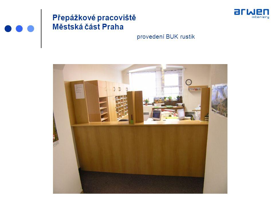 Přepážkové pracoviště Městská část Praha provedení BUK rustik + zelená nábytek NESA pracovní a jednací židle EC