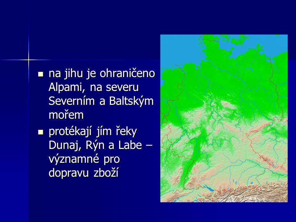na jihu je ohraničeno Alpami, na severu Severním a Baltským mořem na jihu je ohraničeno Alpami, na severu Severním a Baltským mořem protékají jím řeky Dunaj, Rýn a Labe – významné pro dopravu zboží protékají jím řeky Dunaj, Rýn a Labe – významné pro dopravu zboží