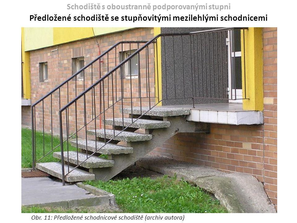 Schodiště s oboustranně podporovanými stupni Předložené schodiště se stupňovitými mezilehlými schodnicemi Obr. 11: Předložené schodnicové schodiště (a
