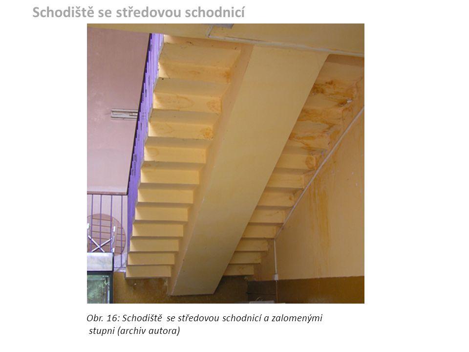 Obr. 16: Schodiště se středovou schodnicí a zalomenými stupni (archiv autora) Schodiště se středovou schodnicí