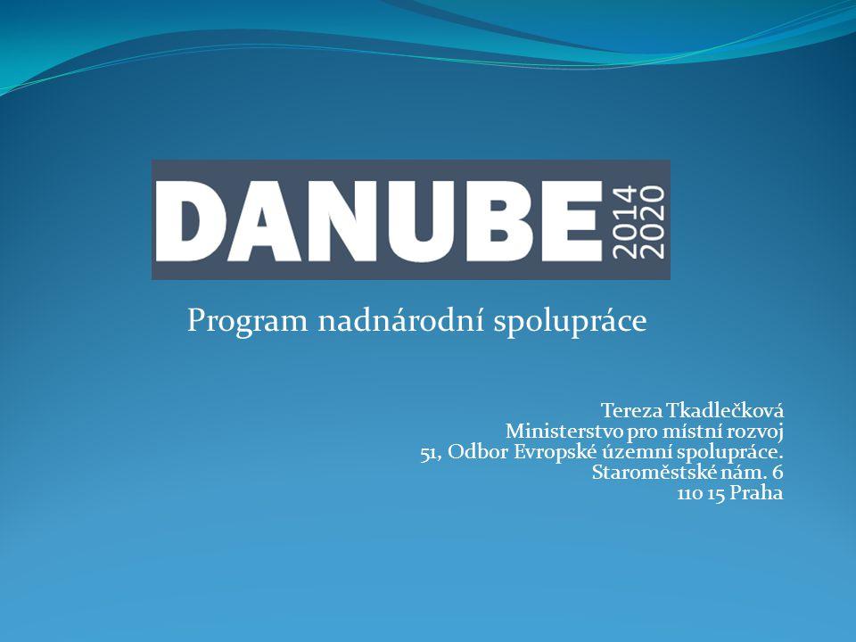 Program nadnárodní spolupráce Tereza Tkadlečková Ministerstvo pro místní rozvoj 51, Odbor Evropské územní spolupráce.