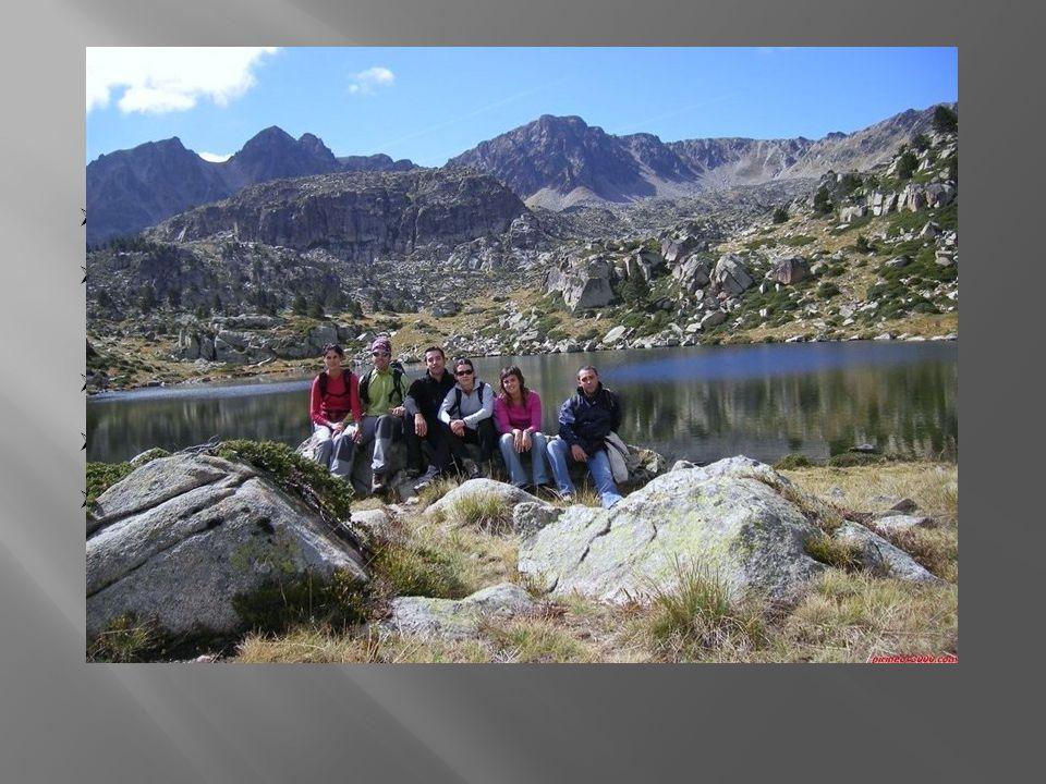  leží v kotlině obklopena Pyrenejemi  díky vysoké nadmořské výšce se zde udržuje sníh až 8 měsíců v roce  největší řeka: Valira  jezera (př. ledov