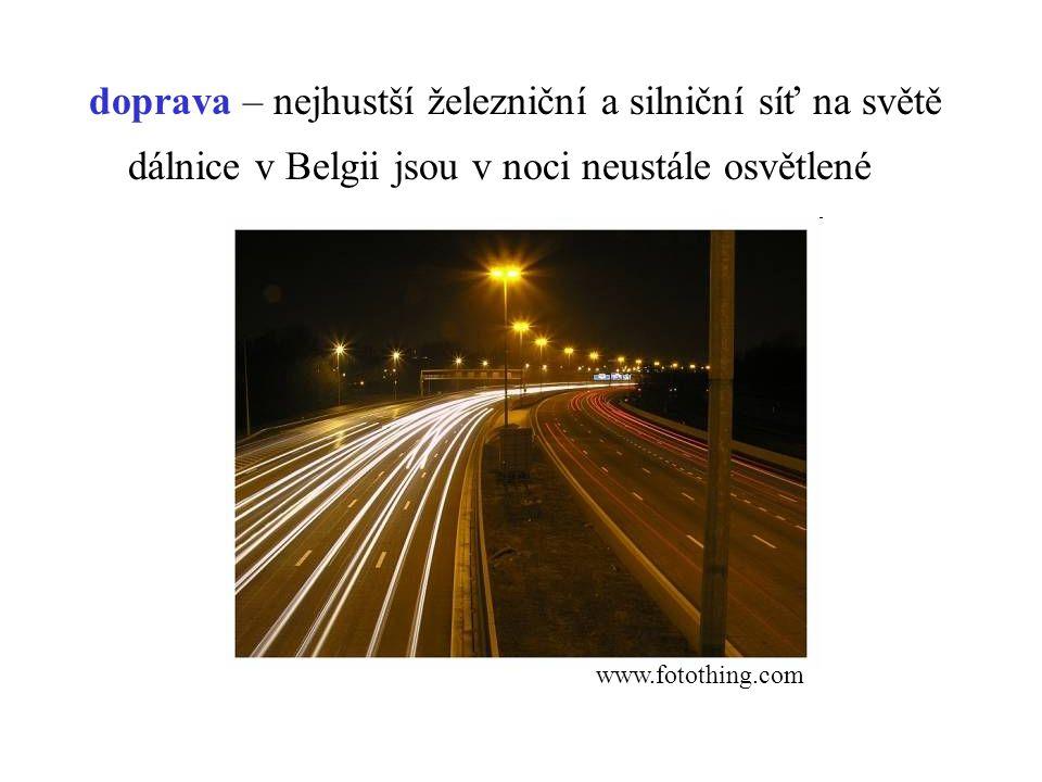 doprava – nejhustší železniční a silniční síť na světě dálnice v Belgii jsou v noci neustále osvětlené www.fotothing.com