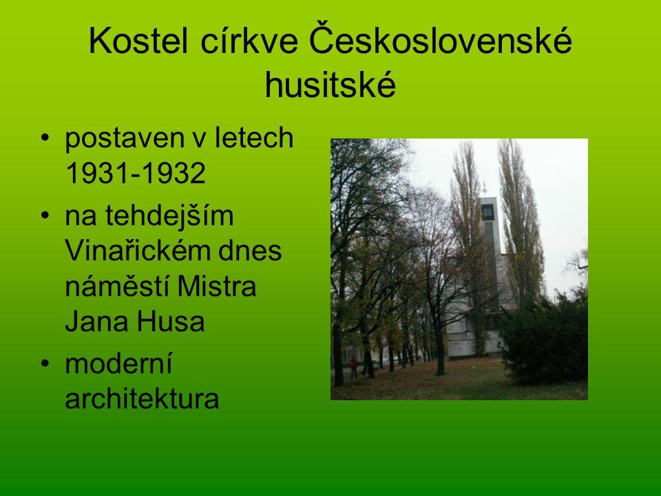 Kostel církve Československé husitské postaven v letech 1931-1932 na tehdejším Vinařickém dnes náměstí Mistra Jana Husa moderní architektura