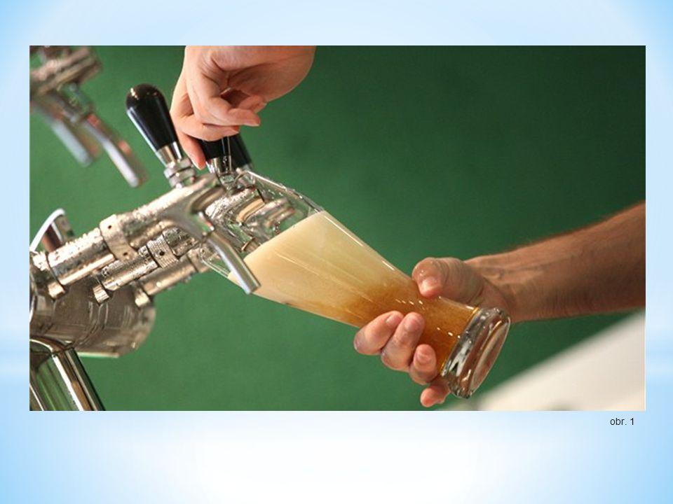 Mytí výčepního skla Stabilitu a pěnivost načepovaného piva může ovlivnit čistota pivních sklenic.