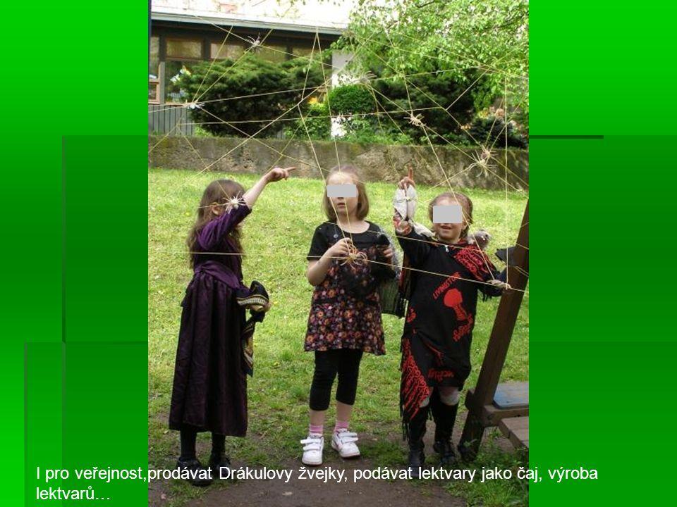 Zelený den, prasátko Pepina-zahradníci, Krtek zahradníkem Hra na počasí-v kruhu poslepu-mrholení-tření rukama, drobné kapky-pleskot několika prstů, deštík-tleskání, déšť-bytí rukama do stehen, hromy.