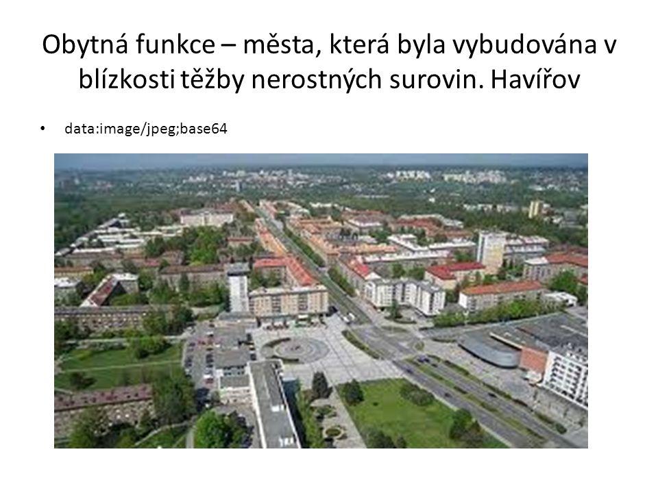 Rekreační funkce – města na pobřeží moří, horská střediska, lázeňská města Karlovy Vary https://encrypted-tbn3.gstatic.com/images