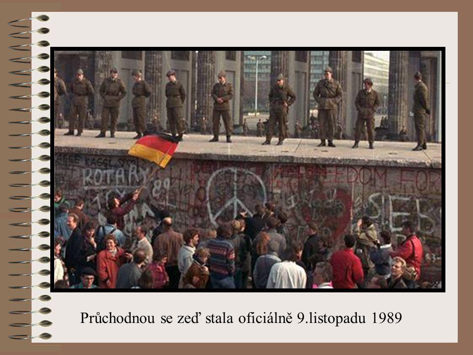 Nic netrvá věčně 9.listopadu 1989_- Günter Schabowski, člen politického byra, předčítal svůj projev o nových usnesení vlády - podotknul na okraj řeči